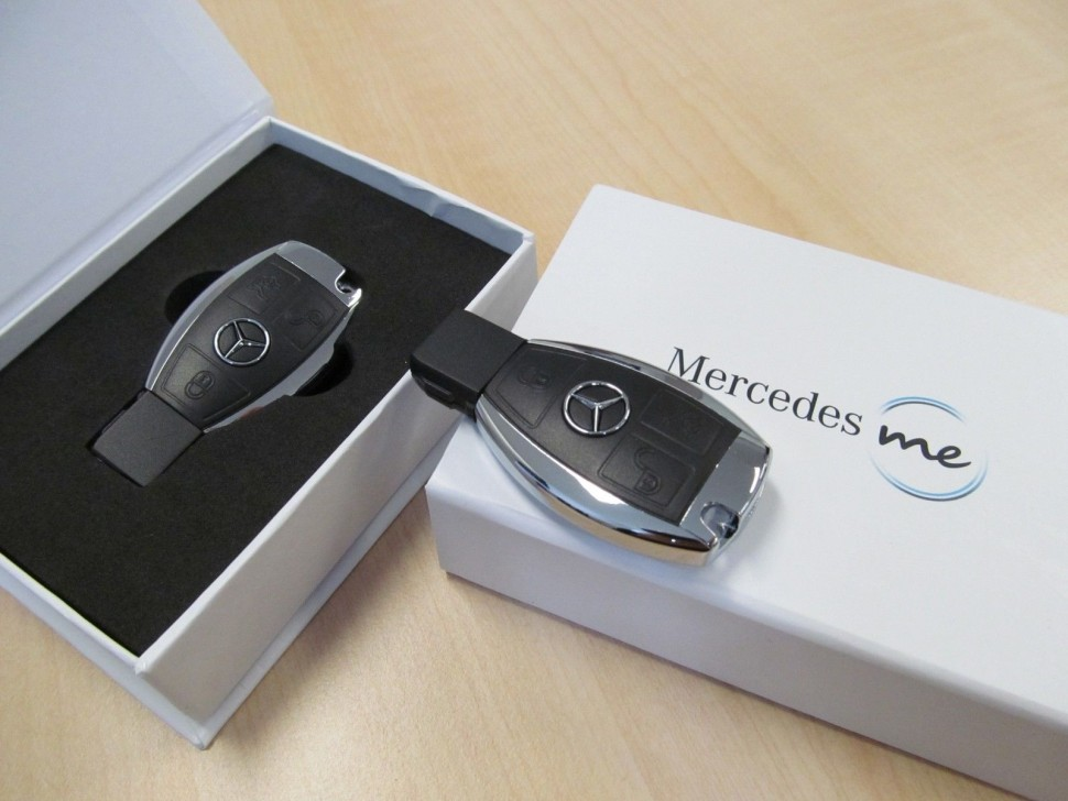 Mercedes Benz Black Chrome Usb Memory Stick 8 Gb Key