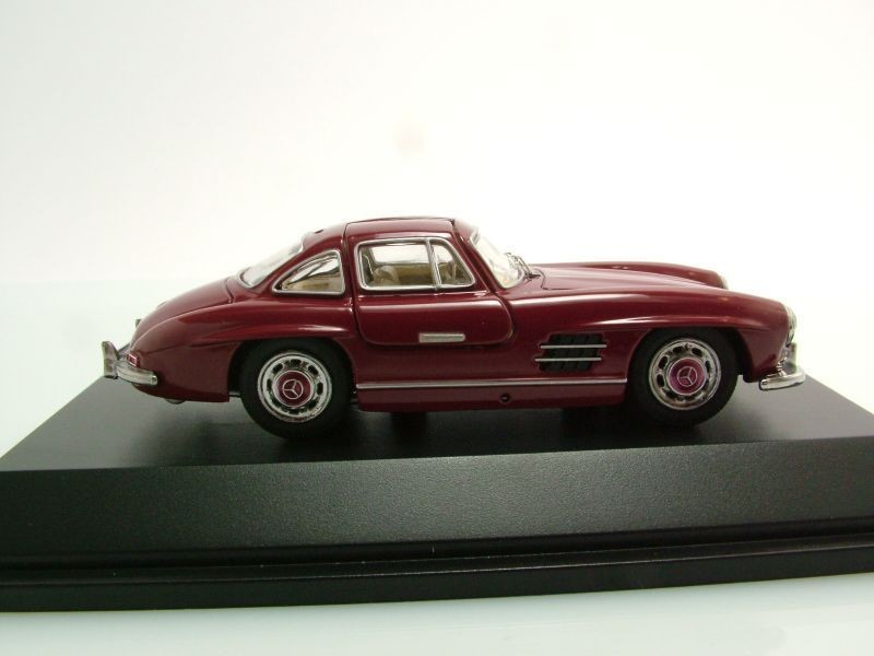 schuco mercedes benz 300 sl gullwing 1954 bordeaux red. Black Bedroom Furniture Sets. Home Design Ideas