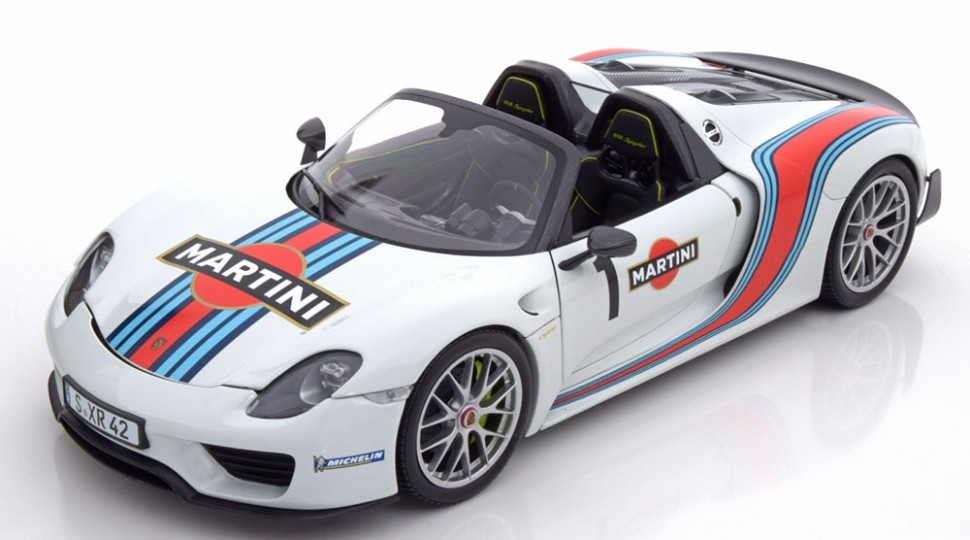 minichamps porsche 918 spyder limited edition martini model car 1 18 genuine new. Black Bedroom Furniture Sets. Home Design Ideas